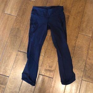 Lululemon blue side patterned cropped leggings
